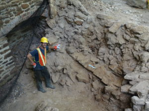 Extraction and Excavation: Archaeology of a Collapsed House Ruin