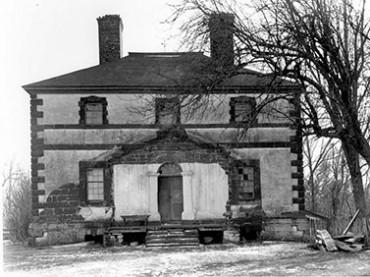 historic-landmark-grayscale-370x277